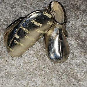 Gymboree size 3 gold metallic girl moccasins